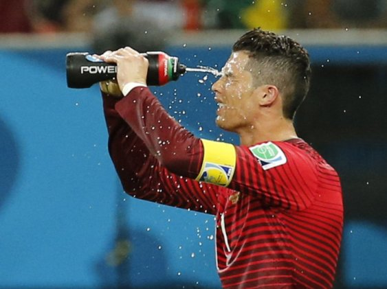 dehydration is bad for athletic performance: sports mythst that are not true but people still believe in them