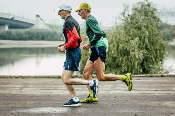 WHY RUNNING IS THE BEST AND WHY YOU SHOULD RUN TOO RUNNING PREVENTS AGING